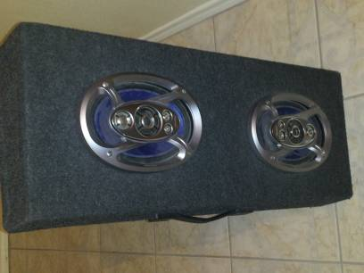 6x9 Pioneer speakers with box - $80 (Elsa, Texas)