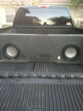Sound stream and alpine subs  - $1 (Rgv)