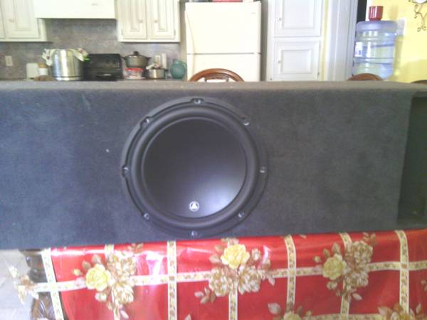 w3 jl audio 12 inch sub in custom box and - $450 (Edinburg)