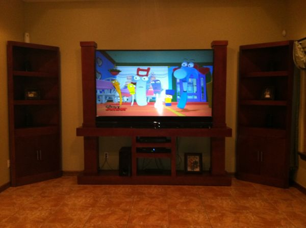 82 in mitsubishi tv with entertainment center - $2300 (mission)