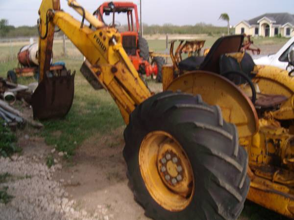Ford 4400 Industrial Tractor : Ford backhoe for sale