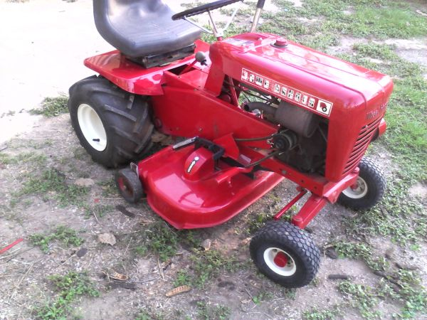 1964 wheel horse mower - $750 (mission)