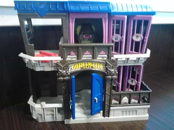 Gotham city jail  batmobile bat plane and green lantern station  -   x0024 28  edinburg