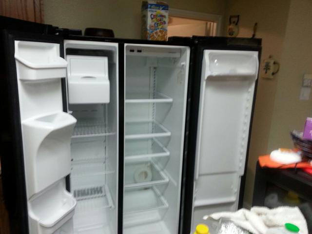 225  Very nice Frigidaire Refrigerator priced to sell