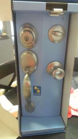 Kwikset Front Door handle set Satin - $60 (McAllen)
