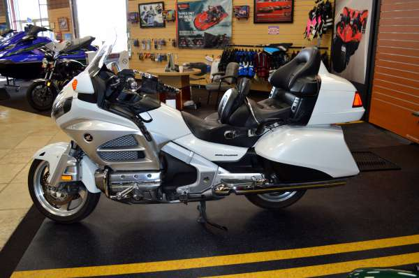 18 999  2012 Honda Gold Wing Audio Comfort GL18HPM