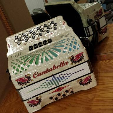 Cantabella accordion 5 registers key of GCF - $2500 (Mission)