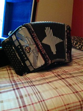 Gabbanelli Accordion FBE 5 switch - $3300 (Edinburg, Tx)