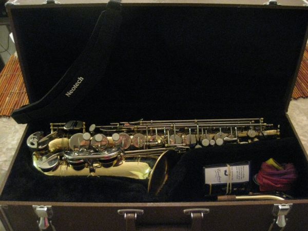 E.M. Winston Boston Alto Sax everything included - $650 (McAllen)