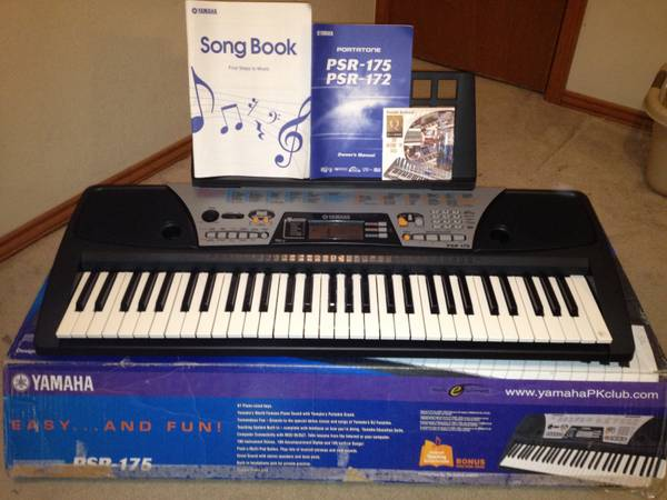 Yamaha PSR-175 Keyboard and STVG-500 The Singing Machine karaoke (Mission, Texas)