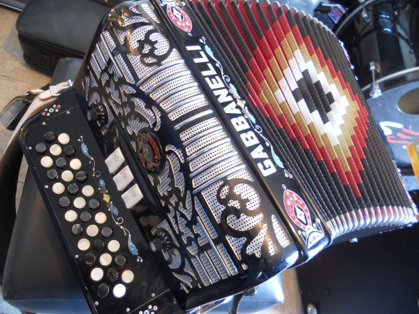 ACORDEON GABBANELLI ACCORDION - $1950