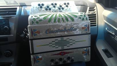 accordion cantabella - $1300 (edinburg)