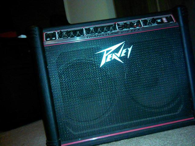 Great Peavey 212 EFX Built in effects  Wpedal extras -  350