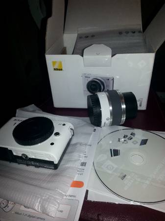 New Nikon 1 J1 10 1 MP Digital Camera -White  Kit w  VR 10-30mm Lens  -   x0024 325  McAllen  Texas