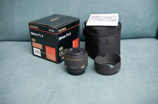 Nikon D300, lens Lighting Gear for Sale