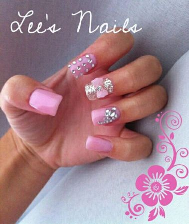 NEW YEAR, NEW YOU9829 LEES NAILS 9829 BIG SAVINGS $$$ TAKE A LOOK (MCALLEN)