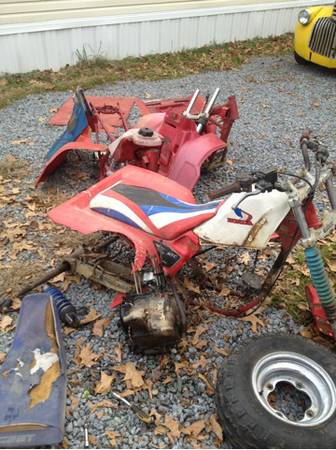 Honda 350x Honda 250r Honda bigred 250 es everything for sale 1 lot  Start la