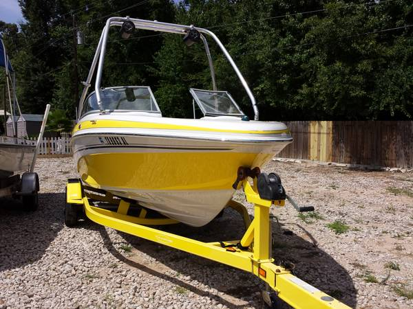 06 Tahoe 21Ft SkiBoat Wakeboard tower 200HP - $13500 (Natchitoches LA)