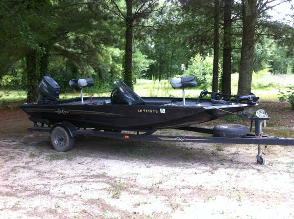 2002 16 ft Express fishing boat in excellent condition - $7500 (Sterlington, LA)