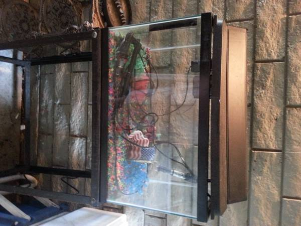 10 Gallon Fish Tank with working accessories - $30 (LakeShore in Monroe)