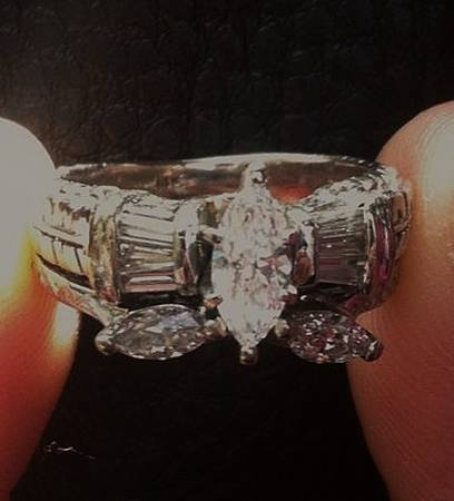 Diamond Wedding Ring Set -   x0024 2000  Rayville  LA