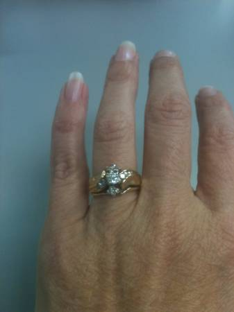 1 2 Carat TW Wedding Set -  750  West Monroe