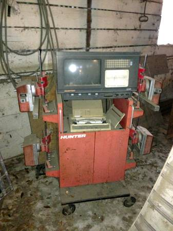 Hunter Alignment Machine - $500 (Bastrop)