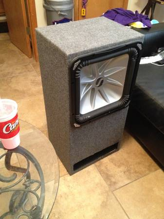 L5 kicker in ported box with rockford fosgate and car wirring kit - $700 (Ruston )