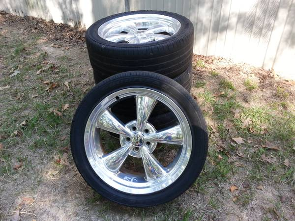 2013 Dodge Charger rims and tires. - $1200 (West Monroe)