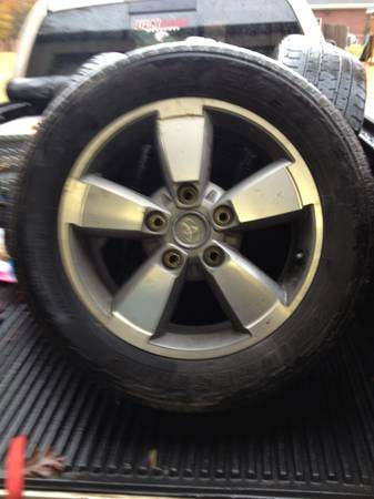2007 up Toyota Toyota Tundra 20 tires and rims aluminum factory
