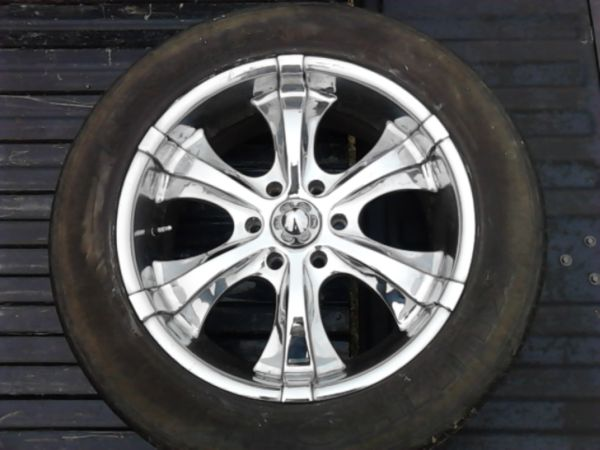 set of 20 inch rims for 6 hole chevy - $500 (collinston)