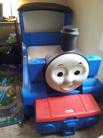 Toddler Little Tikes Thomas the Train Bed - $150 (west monroe)