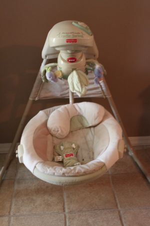 Cradle Swing- Fisher Price - $40 (West Monroe, LA)