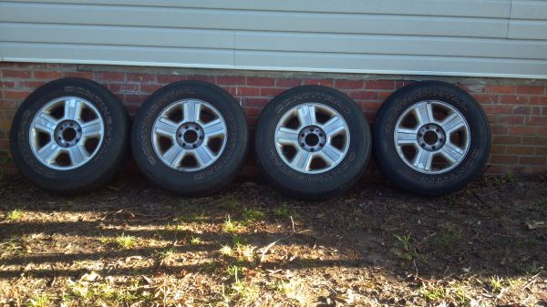Ford F150 17 inch rims - 6 lug - $200 (Ruston)