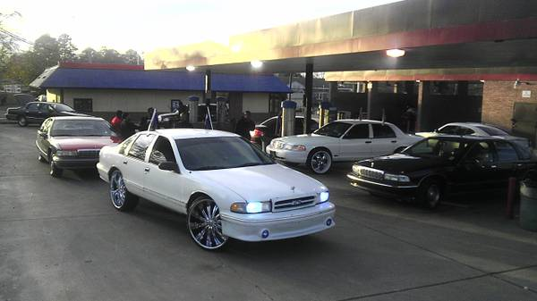 96 Police Caprice on 26s - $6000 (Everywhere)