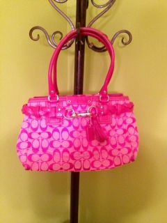GET IT NOW LIKE NEW Hot Pink Coach Signature Hton Handbag - $120 (Bastrop)