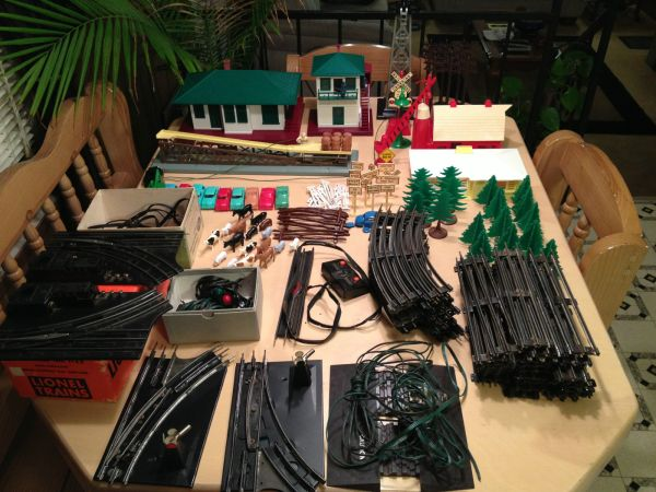 Lionel Train Set Barrel Loader Switch Tower Train Station Houses Cars - $250 (Calhoun)