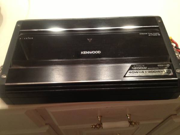 Kenwood and Pioneer sub in box - $250 (West Monroe)