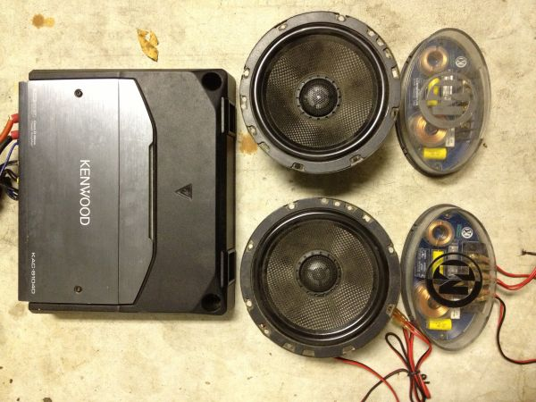 2 12 JVC Subs in box w 1000 watt kenwood and Memphis speakers - $300 (West Monroe, Louisiana)