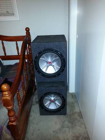 2 12 inch kicker cvr subwoofers in a ported box - $250 (monroe la and the surrounding areas)