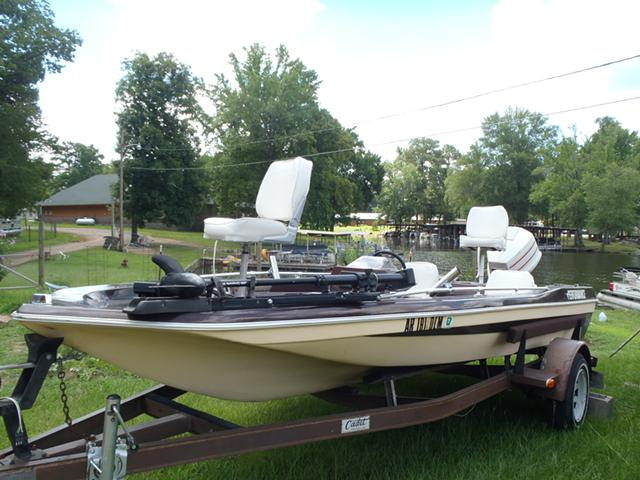 1 900  1981 Performance Bass Boat with 90hp Johnson