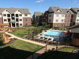 -  735   1br - 632ft sup2  - Take over my lease at Summerwood Luxury Apts 1 1  Old Omen Rd  Tyler  TX