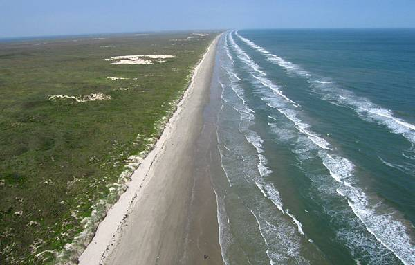Spend your winter with an Ocean breeze minutes from the Gulf of Mexico   North padre Island  Corpus Christi TX
