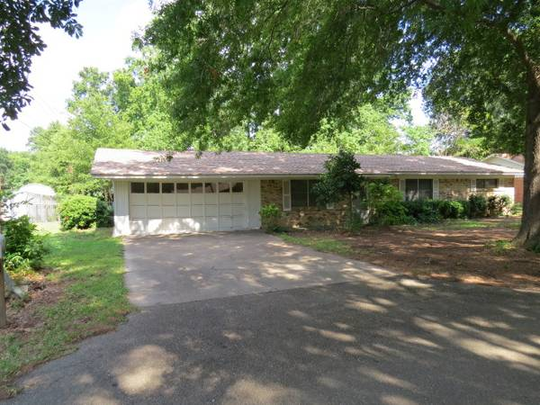 1295   3br - 1596ft sup2  - Nice brick home  great condition  for short term monthly rental  Atlanta Texas