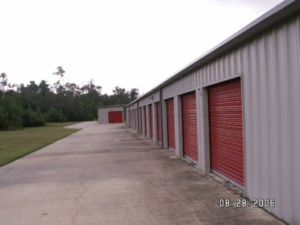 -  25   50ft sup2  - Self Storage rent with moving services offered   Vidor