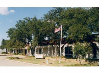 -  5700   10000ft sup2  - 10 000 sqft Office Space  Flex Space excellent location   1700 surveyor blvd  carrollton tx