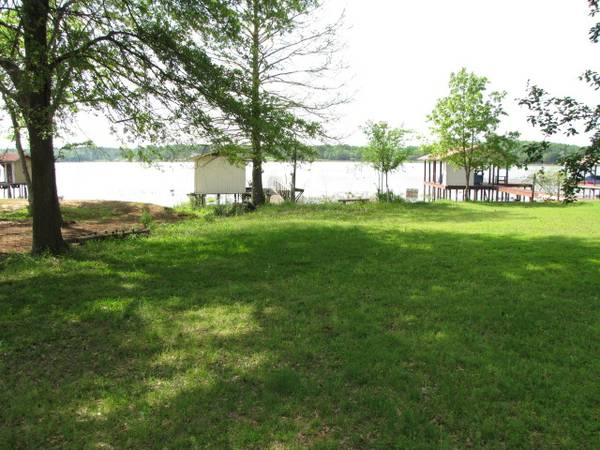 $109900 2br - 1200ftsup2 - Home on the lake, huge lot, trees, secluded (Bob Sandlin)