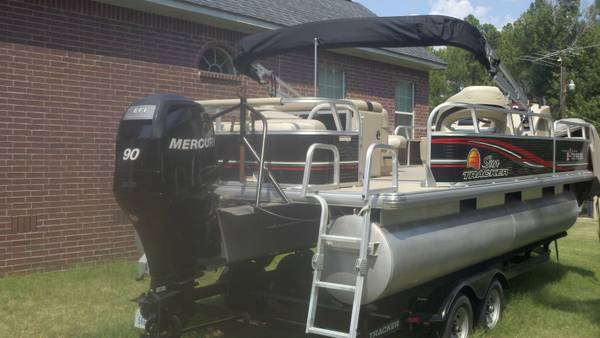 2012 22 Sun Tracker Fishing Barge - $21500 (Overton, Tx)