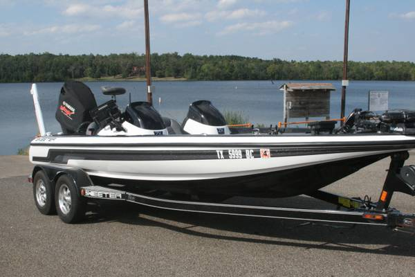 Skeeter ZX 225 powered by Yamaha 225 MOTOR WARRANTY THRU MAY 2016 - $29800 (Longview)