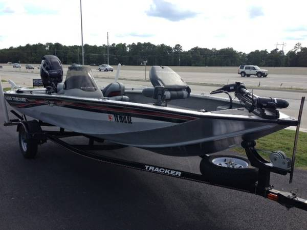 Bass Tracker Pro Crappie 175-2010 - $11400 (Kingwood)